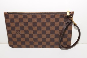 Louis Vuitton Pochette Clutch Wristlet in Damier Ebene w/ cherry lining