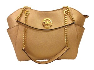 Michael Kors Jet Set Travel Tote in Pale Gold