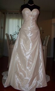 Pronovias Holiday Sale Wedding Dress