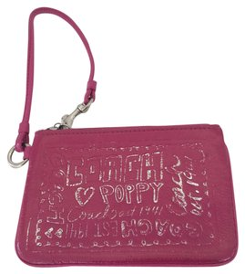 Coach POPPY LEATHER PINK WRISTLET