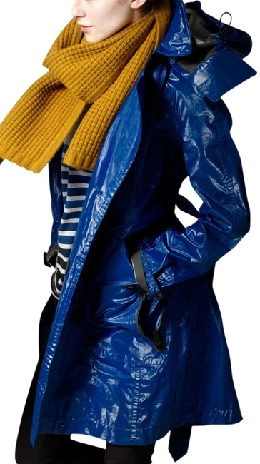 Preload https://img-static.tradesy.com/item/19866365/burberry-cobalt-blue-womens-us-eu-44-trench-coat-size-10-m-0-2-650-650.jpg