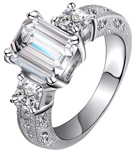 Other Ladies 2.5ct AAA CZ emerald Cut Engagement Ring