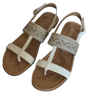 Naturalizer Women Velcro Strap White Sandals