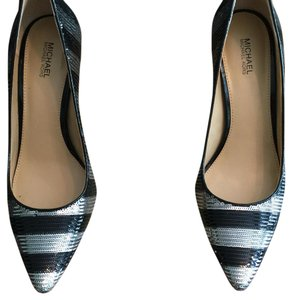 MICHAEL Michael Kors Black and silver. Pumps