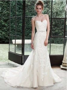 855041d73ea Maggie Sottero Ivory Lace and Tulle Winston - 5ms694 Wedding Dress Size 2  (XS)