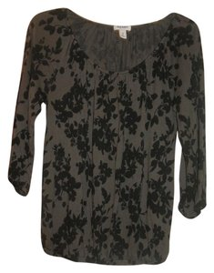 Old Navy Top Dark Gray with black flowers