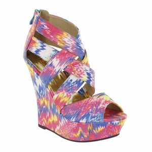 Red Circle Footwear Printed Fabric Sexy Fashionista Fuchsia Wedges