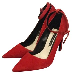 Alice + Olivia Scarlet/Red Pumps