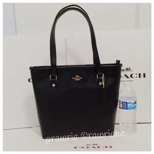 Coach Classic Leather Zip Top Tote in black