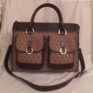 Dooney & Bourke Canvas Signature/logo Leather Handbag Cross Satchel in Khaki Brown