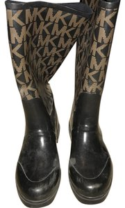 MICHAEL Michael Kors Black and gold Boots