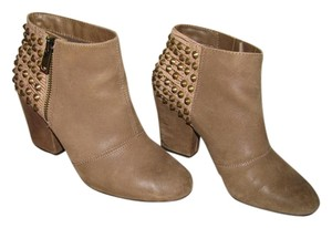 Jessica Simpson Taupe Boots