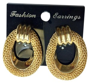 Fashion Jewelry For Everyone Vintage Gold Tone Wreath Earrings