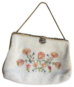 Walborg Point De Beauvais Vintage Beaded Crochet Wristlet in White