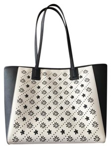 Vera Bradley Tote in Black and white