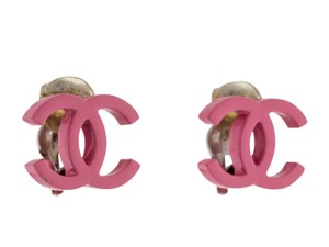 Chanel Pink Chanel interlocking CC enamel earrings