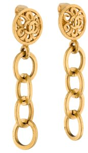 Chanel Gold-tone Chanel interlocking CC logo chain clip on earrings