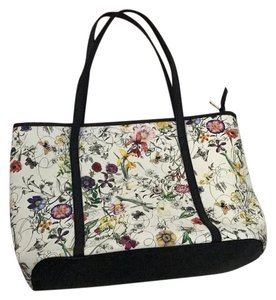 Other Floral Floral Flower Satchel in Cream