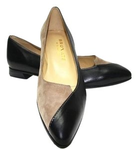 Brunate Pointed Toe Suede Leather Taupe and Black Flats
