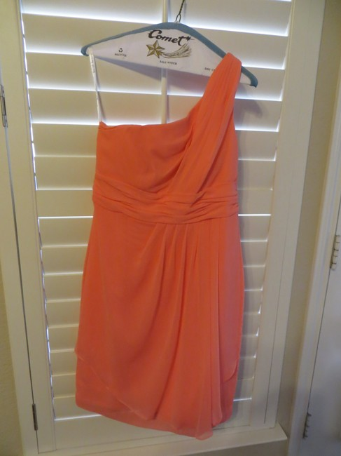 Item - Coral Polyester F14818 Destination Bridesmaid/Mob Dress Size 6 (S)