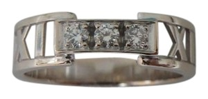 Tiffany & Co. 18k atlas and 3 diamond ring sz 5.5