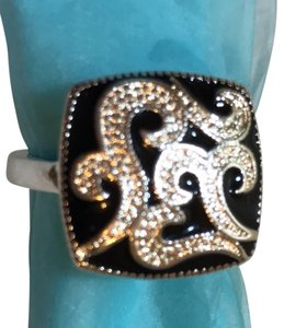 Silver fashion 925 stamped with onyx enameled ring. Size between 7.5-8