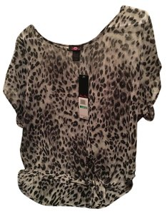 Ultra Flirt Nwt Top Black/Grey sheer cheetah