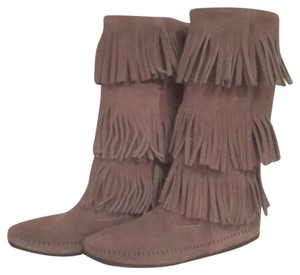 Minnetonka Suede Fringe Leather New Grey Boots