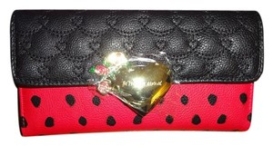 Betsey Johnson GIFT BOXED/ RED/ FLAP OVER/ BLACK SPOT/FLAP WALLET
