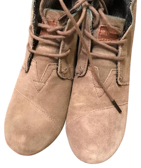 Item - Taupe Boots/Booties Size US 7 Wide (C, D)