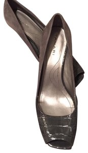 Elie Tahari Hunter Grey Pumps