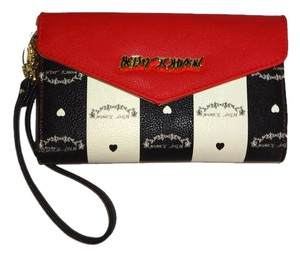 Betsey Johnson BONE/BLACK SIGNATURE /RED ENVELOPE /WALLET WRISTLET