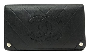 Chanel CHANEL CC Logo Black Leather Bifold Long Wallet