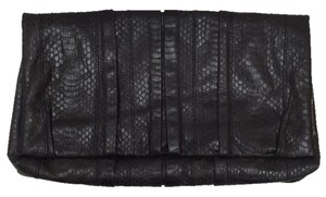 Lelya Black Clutch