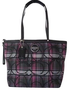 Coach Poppy Tartan Tote in Black/multi