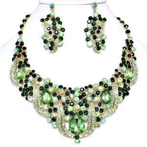 Vintage Elegance Green Crystal Rhinestone Teardrop Floral Gold Chain Bib Collar Necklace and Earring Set
