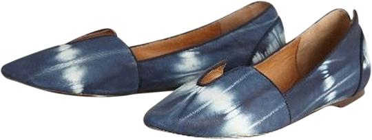 Preload https://item1.tradesy.com/images/anthropologie-lydia-cutout-loafers-flats-size-us-6-regular-m-b-1988565-0-0.jpg?width=440&height=440