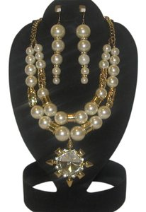 CREAM GOLD CHUNKY PEARLS NECKLACE SET