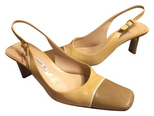 Bruno Magli Taupe/Brown/Tan/Cream Pumps