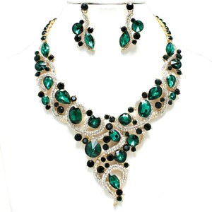 Other Vintage Elegance Green Crystal Vine Vee Gold Chain Bib Collar Necklace and Earring Set