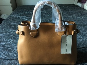 Burberry Leather House Check Tote in Cognac