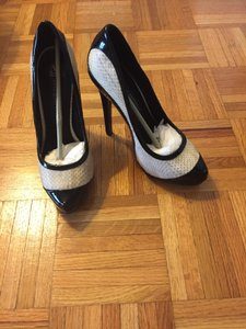 Rock & Republic Back Patent Leather Black and White Snake Skin Pumps