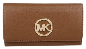 Michael Kors Fulton Carryall Luggage Leather Wallet with Gold Hardware 32F2GFTE3L