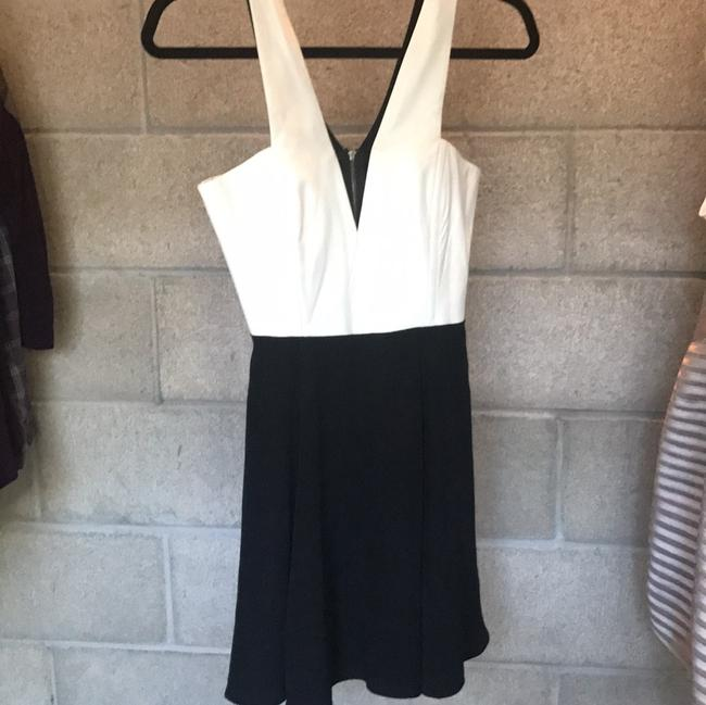 Item - Black and White Two Above Knee Night Out Dress Size 2 (XS)