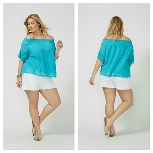 Lane Bryant Plus-size 2x 18 20 Top blue