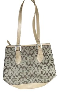 Brown purse Tote in Brown
