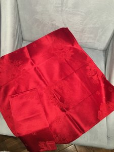 Bloomingdale's Red Damask Napkins Set Of 4 Tableware