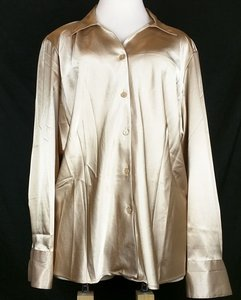 Maggie Barnes Holiday Christmas Top gold
