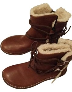 UGG Australia Brown Shearling Lined Boots