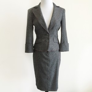 bebe Gray Wool Tweed Pink Zig Zag Stitch Belted 3/4 Sleeve Skirt Suit